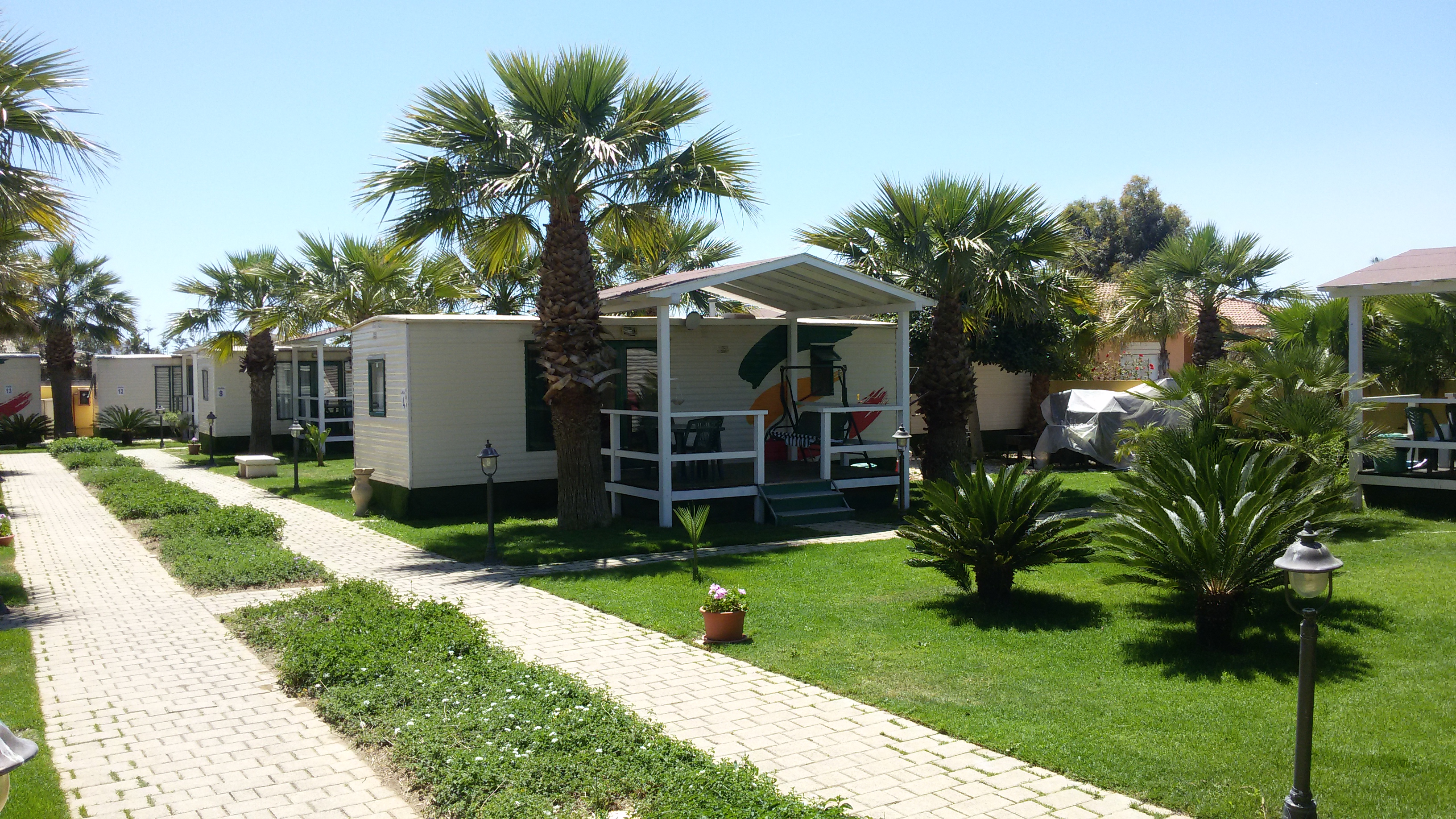 Case mobili esterno akramarvillage for Mobili esterno